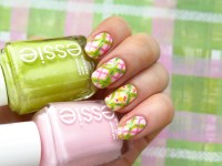Easter plain nails with little chicken nail art by ...