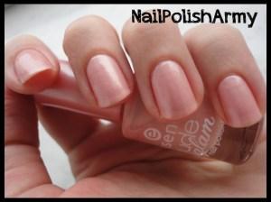essence-nude-glam-02-iced-strawberry-cream
