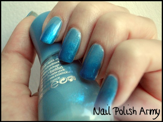Essence-127-i-love-bad-boys-Basic-beauty-b-by-limoni-48PE-gradient-azzurro