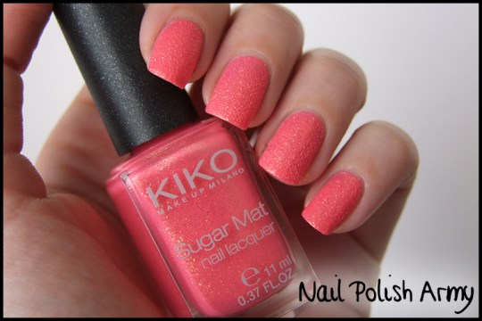 Kiko-sugar-mat-641-rosa-fragola-strawberry-pink-swatch