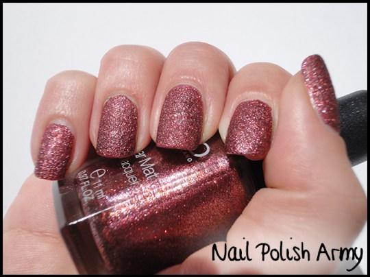 Kiko-sugar-mat-645-bordeaux-burgundy-swatch-effetto-ruvido