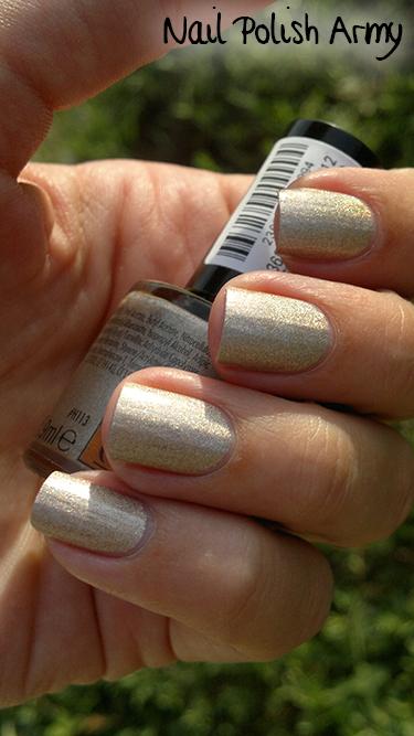 Claire's gold holographic nail polish smalto oro olografico