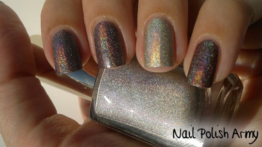 Layla hologram effect 16 Coffee Love, Kiko holographic nail polish 399 brown champagne linear holo smalto marrone