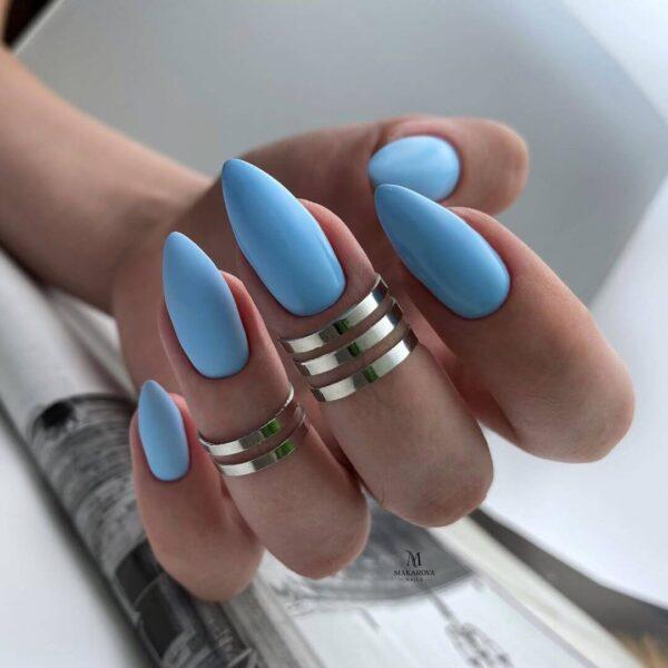 Làm móng tay mờ màu xanh