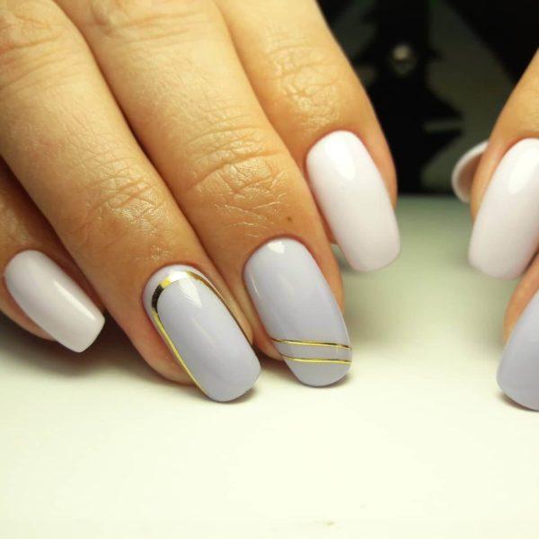 Manicure simples com listras