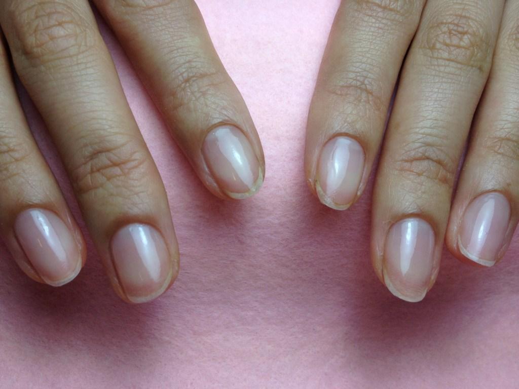 自爪を傷めないネイルオフ後の爪