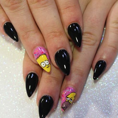 Nail Art inspirado en Los Simpsons