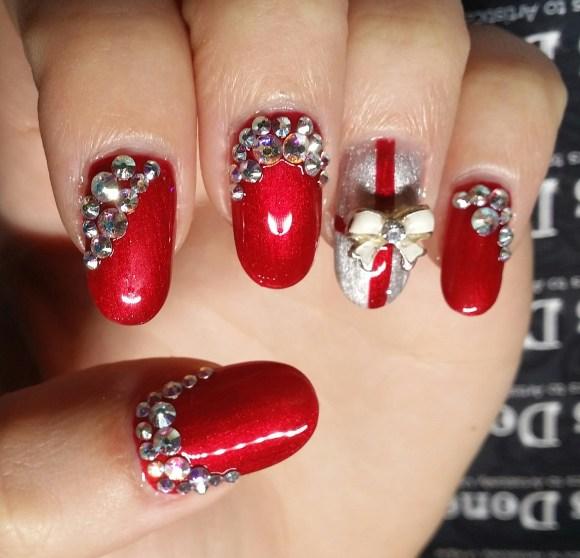 swarovski crystal christmas nails