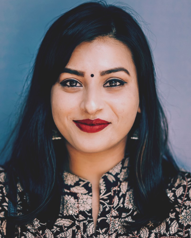eyesforpeople, naina redhu, portrait photographer india, photo blogger india, photographer india, professional photographer, shagufta ahmed, radio presenter, portraiture