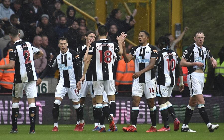 10 hari lalu · berita. Saudi Arabian consortium completes Newcastle United £300 ...