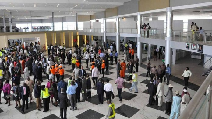 FAAN Recruitment scandal, Nigerians hit with over 60% delayed and cancelled domestic flights in 2018, Nigerian Airlines, delayed flight