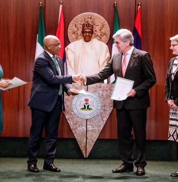 Buhari signs Siemen's deal, Nigeria-Siemens electricity deal, Power: FG signifies financial commitment to Siemens agreement, Nigeria denies plan to hand over electricity distribution to Siemens