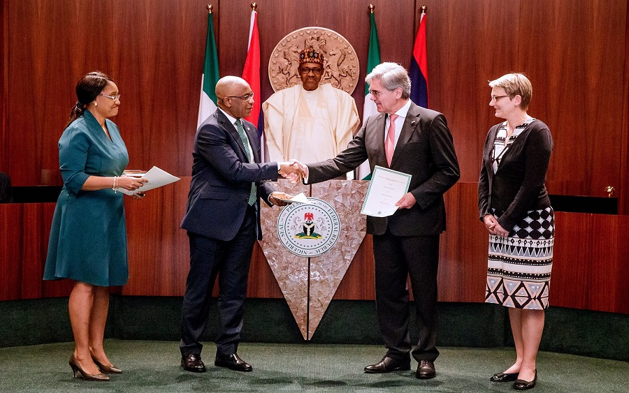 Buhari signs Siemen's deal, Nigeria-Siemens electricity deal, Power: FG signifies financial commitment to Siemens agreement, Nigeria denies plan to hand over electricity distribution to Siemens