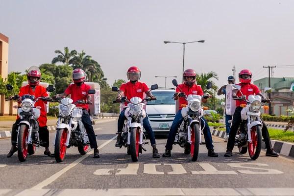 Zoom bike riders