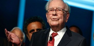 warren-buffett, Young Investors, Here's why Warren Buffet's $4.6m lunch with Bitcoin entrepreneur is experiencing delay