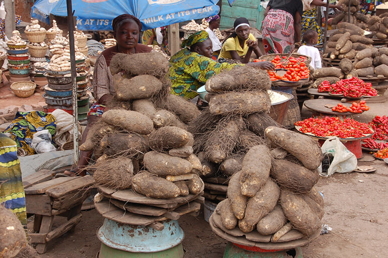 Prices of Tomatoes yam, Prices of major food items continue to rise in major markets as border closure remains