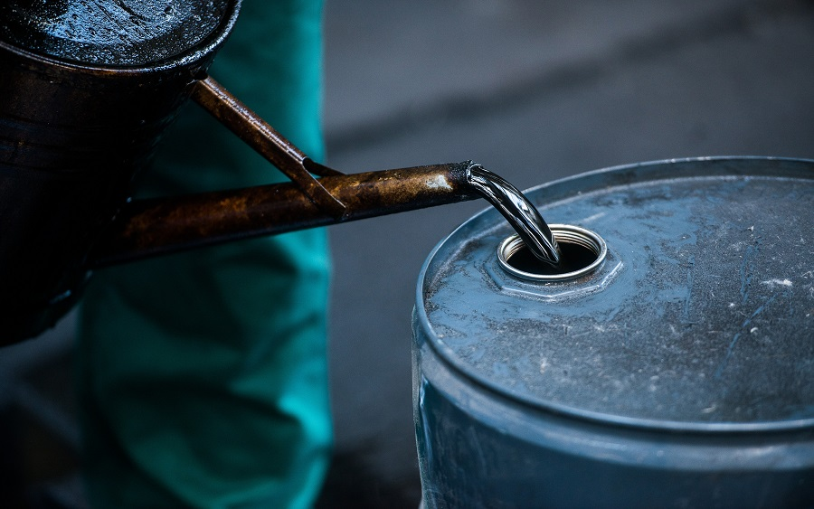 Oil meltdown spreads as world runs out of storage space
