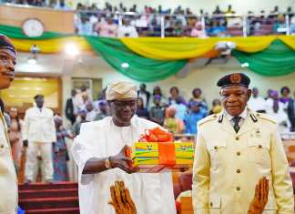 Sanwo-Olu presents N1.1 trillion 2020 budget