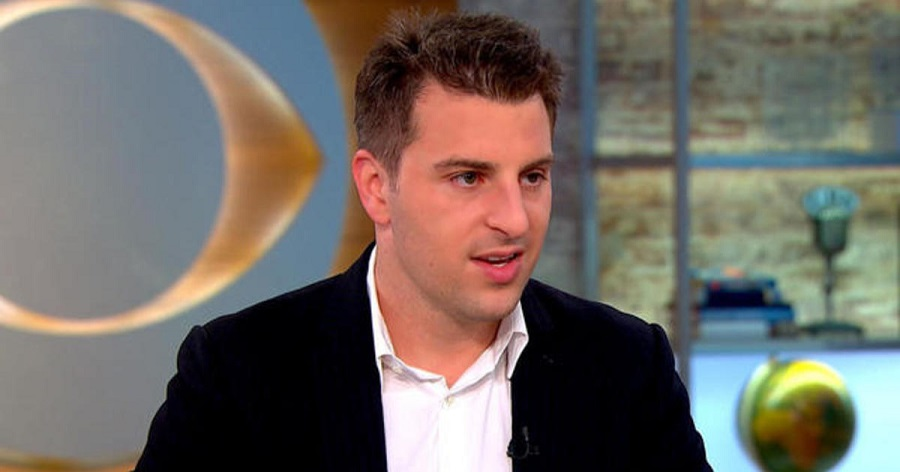 Airbnb plans $30 billion IPO valuation