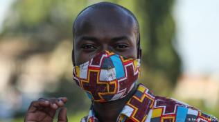 Classic print In many African countries, wearing a face mask in public has been mandated by the government to fight the spread of COVID-19. Designers and tailors all over the continent have been stepping up to meet the demand.