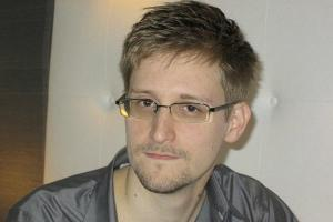 0609-edward-snowden.jpg_full_600