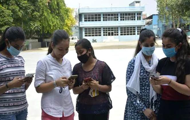 বিজ্ঞপ্তি জারি করে জরুরি ঘোষণা, আপাতত স্থগিত WBPSC'র সব পরীক্ষা