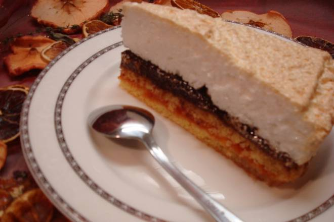 BOŽANSKI KOLAČ (TORTA): Napravite sočan i ukusan desert po receptu iz stare kuharice