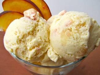 OD SAMO TRI SASTOJKA: Kremasti sladoled od breskve