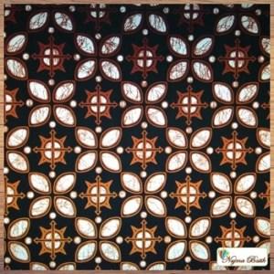 Seragam batik Solo beragam motif
