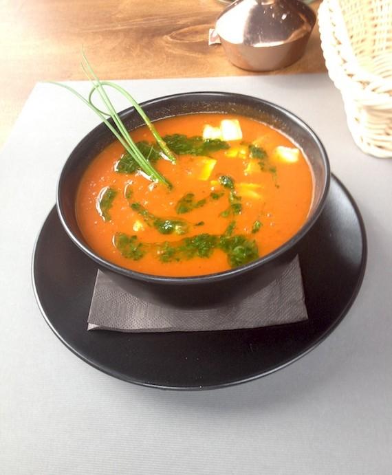 Krem z pomidorów z kozim serem i pesto rukolowym , Otwarta, Gdańsk