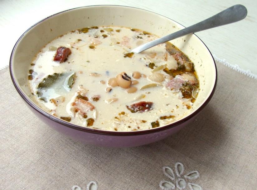 Zupa fasolowa na wędzonce