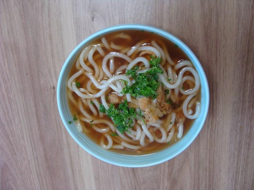 zupa kimchi z makaronem udon