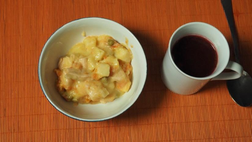 Racja armii węgierskiej 24h - potrawka z kurczaka i zupa