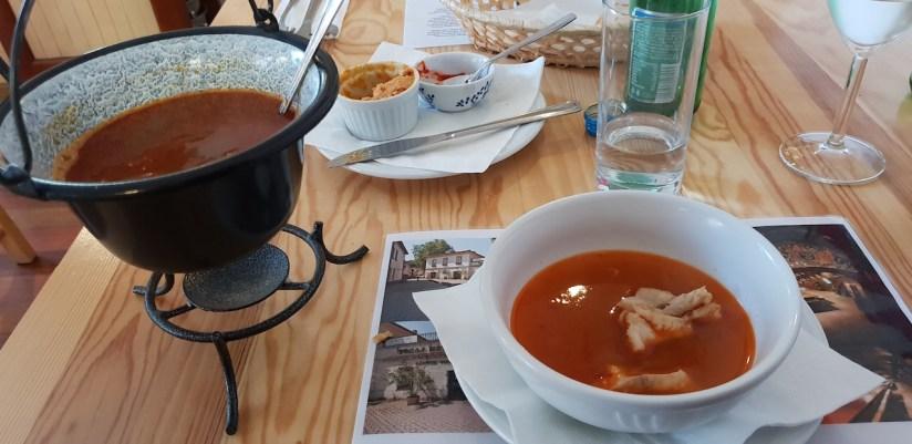 Restauracja U Madziara Warszawa - zupa rybna halaszle