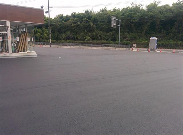 加東市コンビニ駐車場舗装2日目 (1)