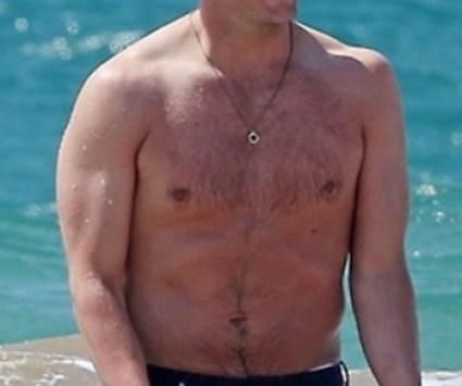 Sam_Claflin_shirtless_08