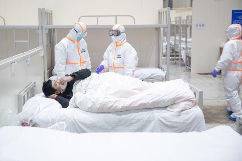 В Китае умер врач, который первым попытался предупредить всех о вспышке коронавируса (Upd.)