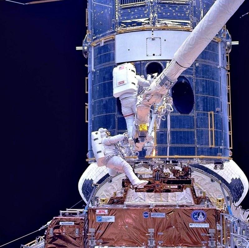 «Хаббл» столкнулся с серьезной неполадкой в бортовом компьютере. Он не работает уже неделю