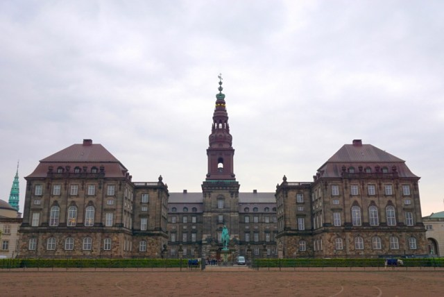 덴마크 의회 건물(사진: 안상욱)