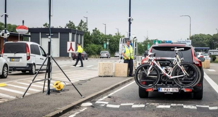 """""""심각한 테러 위험 있어"""" 덴마크-독일 국경 통제 6개월 연장"""