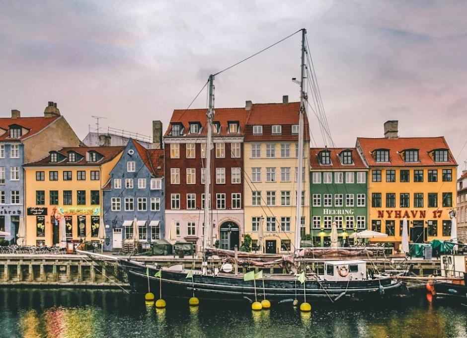 코펜하겐 뉘하운 (출처: VisitCopenhagen)