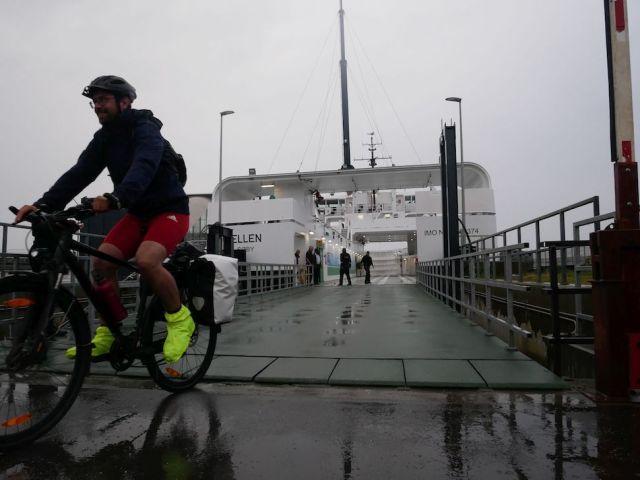 2019년 8월15일 오전 6시20분 세계 최초 100% 전동 페리 '엘렌'호가 첫 항해를 마친 모습(Ærø Kommune 제공)
