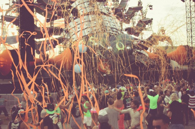 TOMORROWWORLD 2013-2346