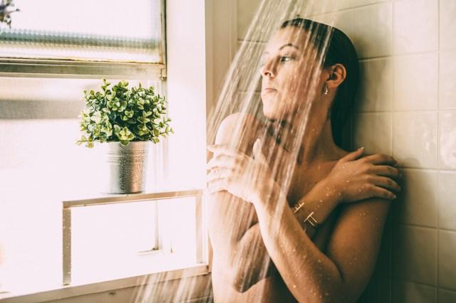 Miranda_shower_17