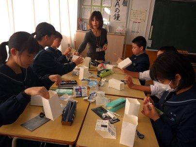 那珂川北中学校 裂田溝の灯篭制作