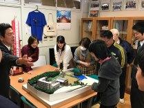 那珂川北中学校 博多工業高校生徒から模型の寄贈