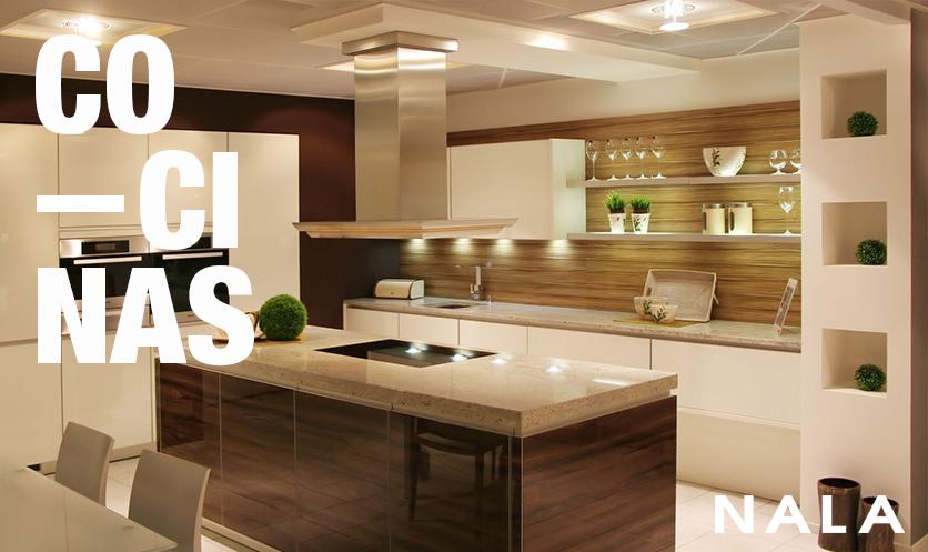 De Cocinas Modernas Great Cocina Moderna Blanca Y Negra Alto Brillo Con Compac Plomo With De Cocinas Modernas Free Cocinas Equipadas De Estilo