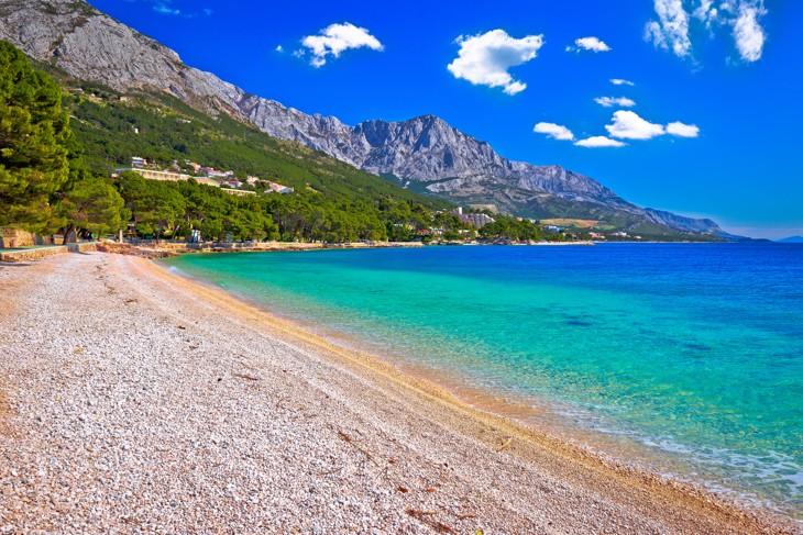 pláž Punta Rata, Brela, Chorvatsko