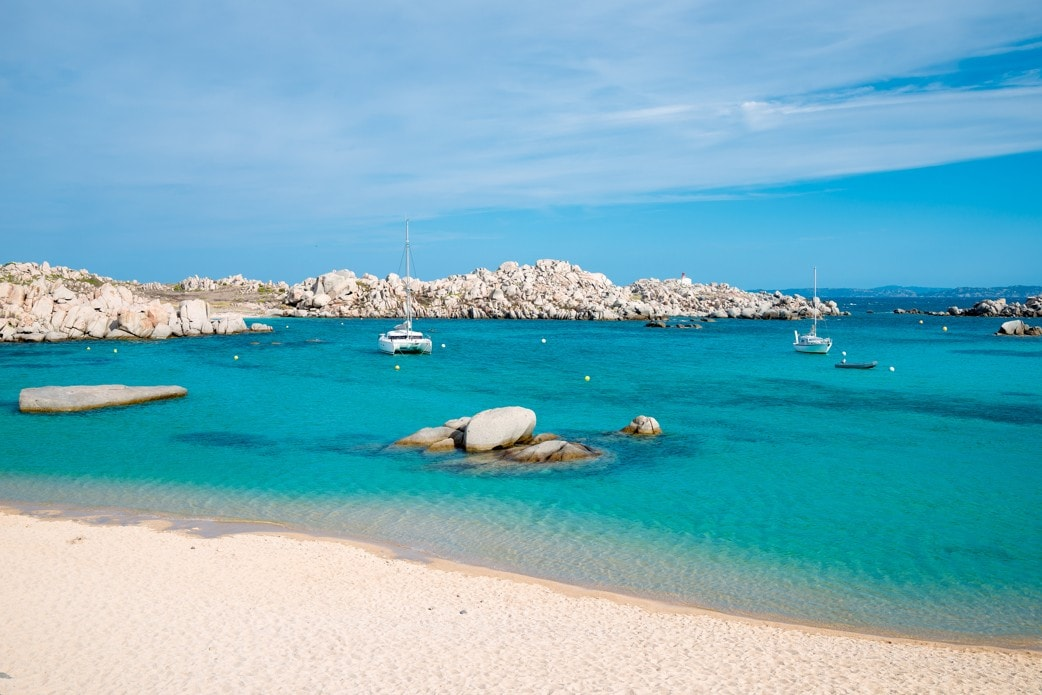 Cala Acciarino, ostrov Lavezzi, Korsika