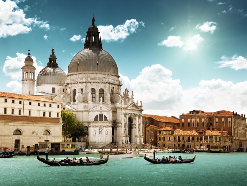 Canal Grande a bazilika santa maria della salute, Benátky